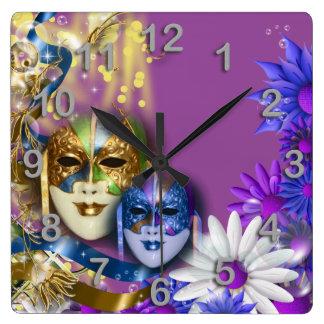 Les masques vénitiens de quinceanera de mascarade horloge carrée