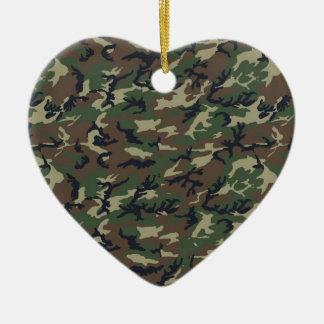 Les militaires camouflent la région boisée ornement cœur en céramique
