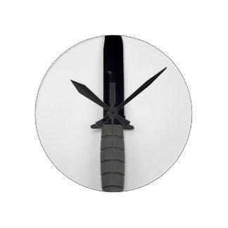 les militaires combattent le style vertical de horloge ronde