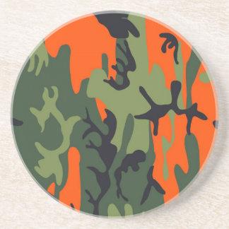 Les militaires oranges et verts camouflent des dessous de verres