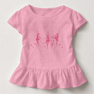Les petites ballerines ont hérissé le T-shirt