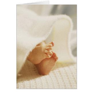 Les petits pieds du bébé carte de vœux