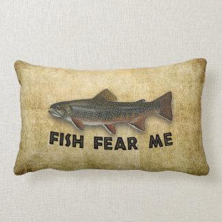 Les poissons drôles de pêcheur me craignent coussin décoratif