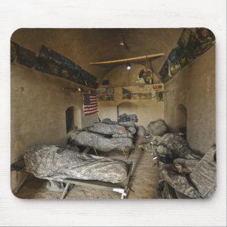Les soldats des USA dorment dans une maison Tapis De Souris