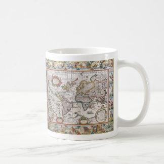 Les tasses antiques de carte du monde - choisissez