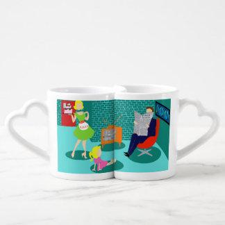 les tasses des amants classiques de télévision des mugs amoureux