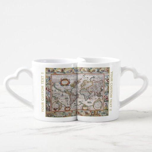 Les tasses du monde du couple antique de carte set mugs duo