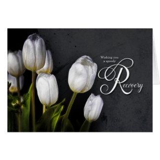 Les tulipes blanches obtiennent le prompt carte de vœux