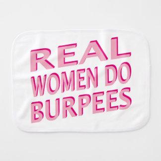 Les vraies femmes font Burpees Linge De Bébé