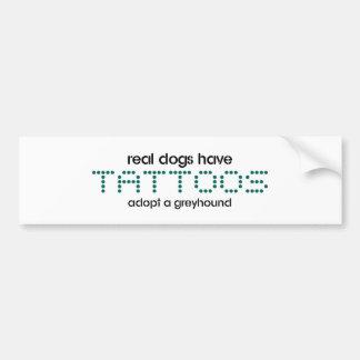 Les vrais chiens ont des tatouages autocollant pour voiture