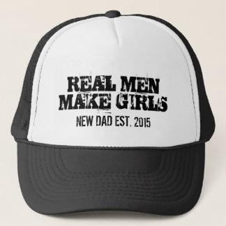 Les vrais hommes font à des filles le casquette de