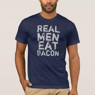 Les vrais hommes mangent du lard t-shirt