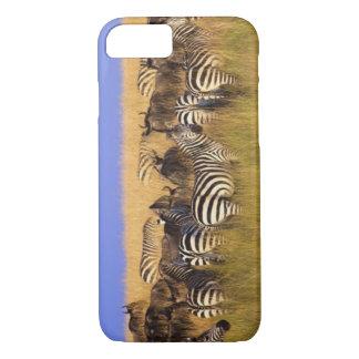 Les zèbres et le gnou de Burchell en été grand Coque iPhone 8/7