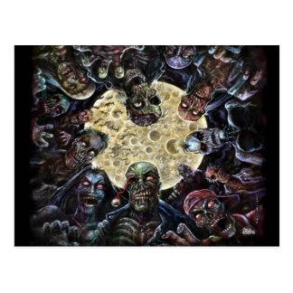 Les zombis attaquent (l'horde de zombi) cartes postales