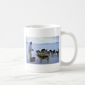 L'Esquimau polaire alimente des chiens Mug