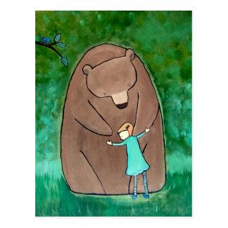 L'étreinte d'ours badine la carte postale verte