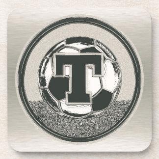 Lettre T de monogramme du football de médaille Dessous-de-verre