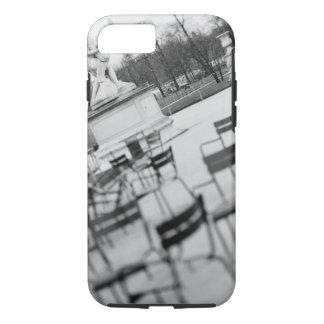 L'Europe, France, Paris. Chaises, Jardin du Coque iPhone 7