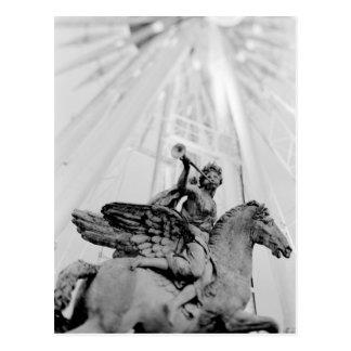 L'Europe, France, Paris. Statue et roue de Ferris, Carte Postale