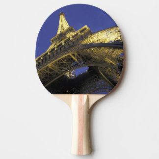 L'Europe, France, Paris, Tour Eiffel, égalisant 2 Raquette De Ping Pong