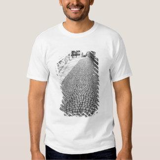 L'Europe, Suisse, Zurich. Rue pavée en cailloutis, T-shirts