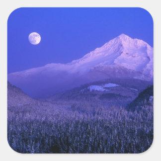 Lever de la lune au-dessus de l'hiver de capot de sticker carré