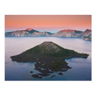 Lever de la lune de lac crater carte postale