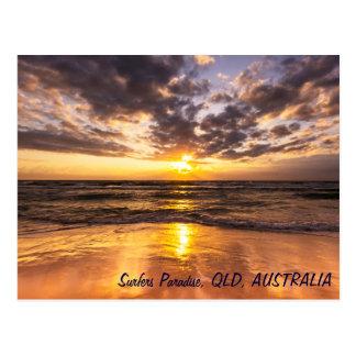 Lever de soleil à la carte postale de paradis de