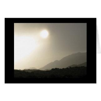 Lever de soleil dans le haut désert cartes
