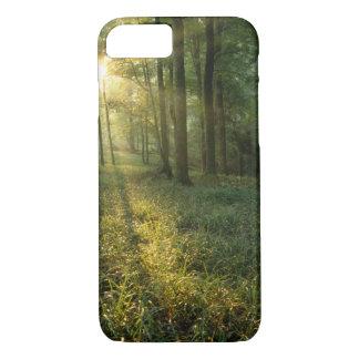 Lever de soleil par la forêt de chêne et coque iPhone 8/7