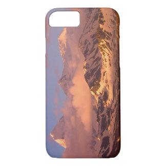 Lever de soleil sur les gammes de montagne sur des coque iPhone 7