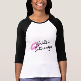 Lèvres d'entourage de jeunes mariées t-shirts