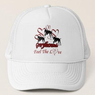 Lévriers et casquette de chien d'amour de coeurs