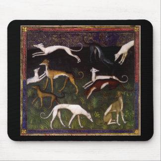 Lévriers médiévaux dans la forêt profonde tapis de souris