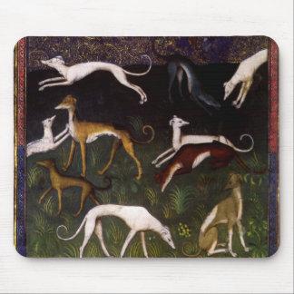 Lévriers médiévaux dans les bois profonds tapis de souris