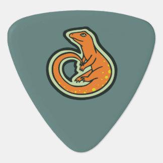 Lézard orange de longue queue avec des taches onglet de guitare