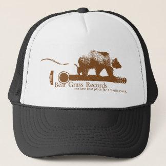 L'herbe d'ours enregistre le casquette de