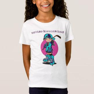 L'hockey mignon de filles folâtre le T-shirt