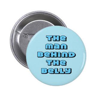 L'homme derrière le ventre pin's