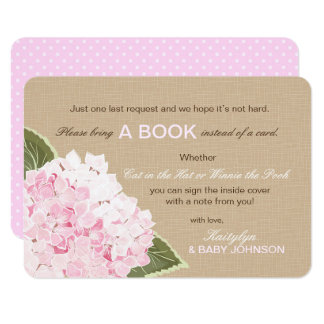L'hortensia rose rustique a lu une carte de livre