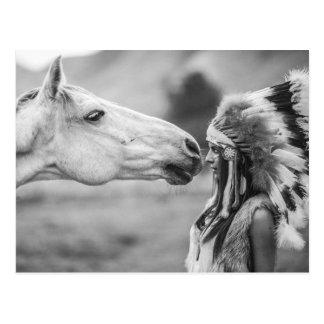 Liaison indienne de jeune fille et de cheval cartes postales