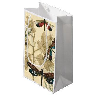 Libellules colorées flottant au-dessus du feuille petit sac cadeau