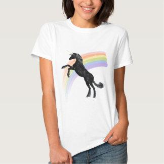 Licorne d'arc-en-ciel t-shirts