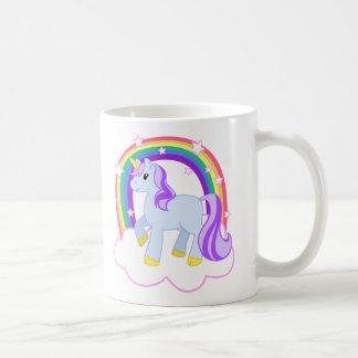 Licorne magique mignonne avec l'arc-en-ciel mug blanc