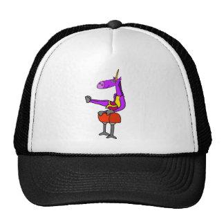 Licorne pourpre d'amusement sur l'art de casquette trucker