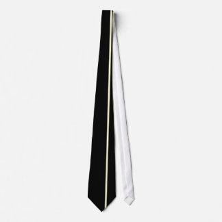 Ligne verticale mince crème sur la droite cravate