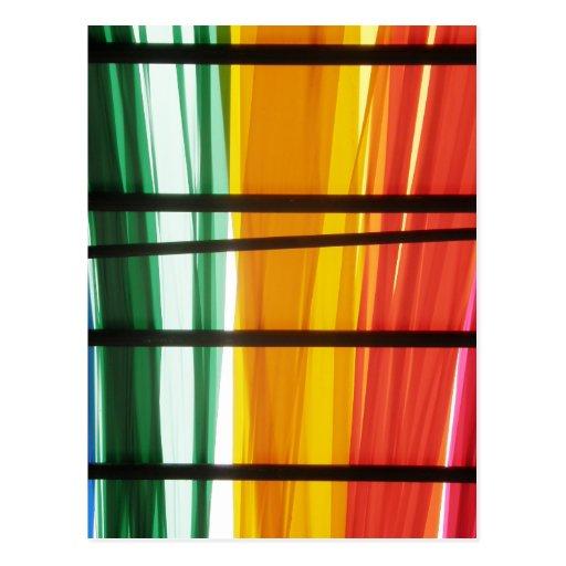Lignes colorées d'art de graffiti carte postale