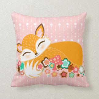 Lil Foxie CUB - carreau somnolent mignon de Fox Coussin Décoratif