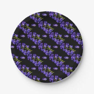 Lilas floraisons foncés assiettes en papier