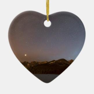 L'Indien du Colorado fait une pointe la nuit Ornement Cœur En Céramique